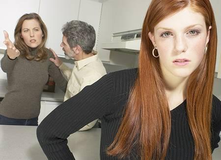 O mais difícil pode ser contar aos pais. Independente deles, faça o acompanhamento médico.