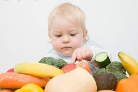 É imprescindível cuidar bem da alimentação do bebê.